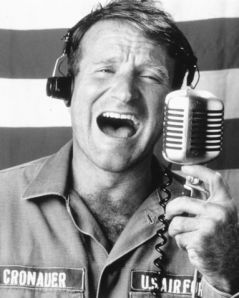good-morning-vietnam-robin-williams-102620_383_479
